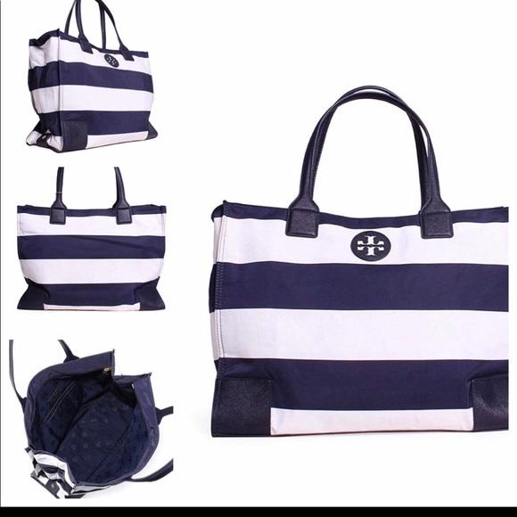 8d5ae4c27e2 Tory Burch Women s Blue Packable Printed Ella Tote.  M 5bb14205035cf1fd52439625